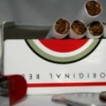 Hacienda sube otra vez los impuestos al tabaco y alcohol