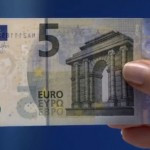 ¿Sabes cómo detectar los billetes falsos de 5 euros?