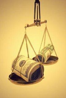 balanza-con-dinero