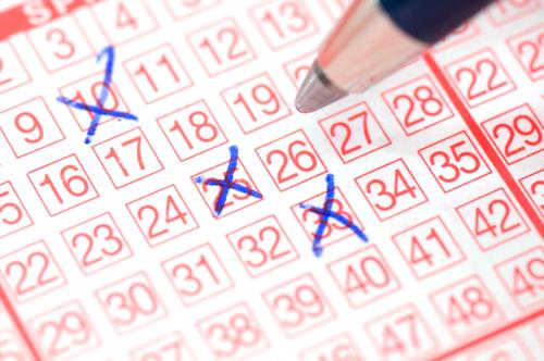 Que te toque la Lotería de Navidad es mucho más fácil que los Euromillones