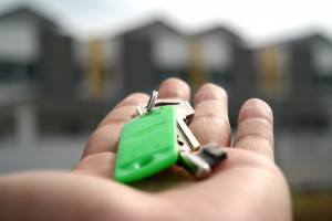 Comprar la vivienda para alquilarla